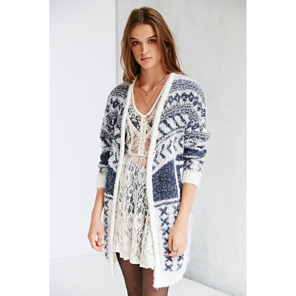 URBAN OUTFITTERS | Ecote Cabin Fever Cardigan NWT